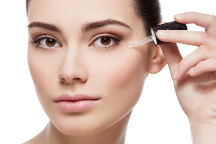 Custom D.O.S.E. der Marke SkinCeuticals