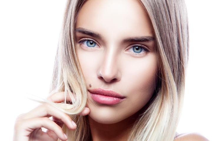 Gesichtsausreinigung mit hochwertigen Produkten